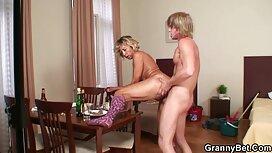 Blondi venäläinen tyttö leggings syöminen poikaystävä pornovideoita ilmaiseksi