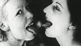 Lääkäri oli laittanut naisen blondin ja koti porno potilaan pilluun.