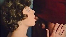 Kaksi karva porno nuorta lutkaa ilahtui mustan neekerin jäsenestä.