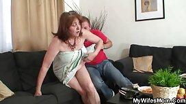 Hintti, seksivideo ilmainen pomosihteeri ja hänen jalkansa.
