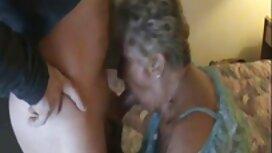 Pikemminkin porno vanha nainen hän pani Udan masturboimaan tuolilla.