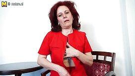 Hänen miehensä ajaa vaimonsa hulluksi sohvalla ja muuttaa hänen ryhtiä, yksi kerrallaan. rajua pornoa
