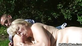 Miehet ilmaisia pornovideoita tekevät tupla-humalaisia venäläisiä nukkeja.