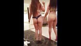 Kolme kovaa pornoo houkuttelevaa nuorta lesboa tekevät Orgiat